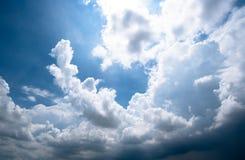 ciemne burz chmury z tłem, zmrok chmurnieją przed burzą zdjęcia stock