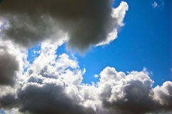 ciemne chmury niebo zdjęcia stock