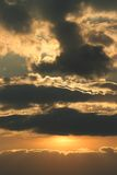 ciemne niebo zachmurzone Zdjęcia Stock