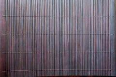 Ciemnego brązu bambusa maty tablecloth tła tekstura Zdjęcia Royalty Free