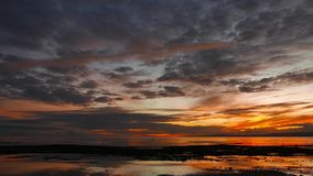 Ciemnopąsowy wschód słońca 04 zbiory