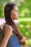 Ciemnowłosa piękna młoda kobieta Zdjęcia Royalty Free