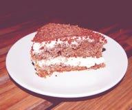 Ciemny Czekoladowy gąbka tort - rocznika skutek Cukierniana fotografia z retro skutkiem Fotografia Royalty Free