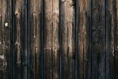 Ciemny drewniany ogrodzenie z ?wiekami Rocznika wie?niaka wz?r z br?z tekstury starym drewnianym t?em D?bowa tekstura, parkietowa obraz stock
