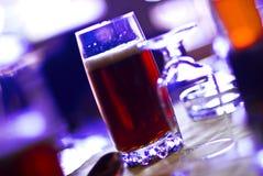 ciemny szklankę piwa Zdjęcie Royalty Free