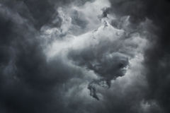 Ciemny thundercloud na letnim dniu Fotografia Royalty Free
