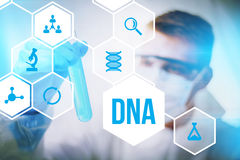 Ciencia forense de la investigación de la DNA Imágenes de archivo libres de regalías