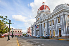 Cienfuegos, Куба - 17-ое декабря 2016: Здание муниципалитет Стоковые Изображения RF