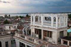 Cienfuegos arkitektur, Kuba Royaltyfri Bild