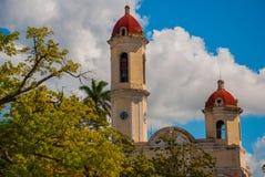 CIENFUEGOS, CUBA : Cathédrale de conception impeccable, place de Jose Marti La cathédrale dans le style néoclassique au centre du images libres de droits
