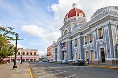 Cienfuegos, Cuba - 17 de diciembre de 2016: Ayuntamiento Imágenes de archivo libres de regalías