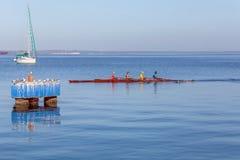 CIENFUEGOS, CUBA - MAART 30, 2012: roeiend team van vier mensen Stock Afbeelding