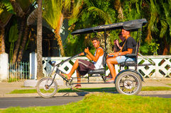 CIENFUEGOS, CUBA - 12 SEPTEMBRE 2015 : Bicitaxis Images stock