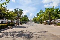 Cienfuegos Kuba - December 17, 2016: Jose Marti Park arkivbilder
