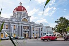 Cienfuegos Kuba - December 17, 2016: Stadshus arkivbild
