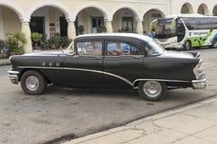 CIENFUEGOS KUBA, Styczeń, - 03, 2018: Rocznika klasyczny amerykanin ca Obraz Royalty Free