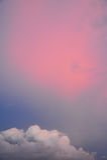 Cienia niebo z różowymi chmurami Obraz Royalty Free