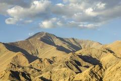 Cienie na górach w dnia czasie fotografia royalty free