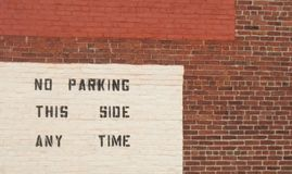 Ścienny znak bez parking Obrazy Stock