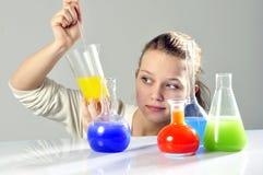 Científico de la señora joven Foto de archivo libre de regalías