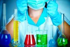 Cientista no laboratório Foto de Stock Royalty Free
