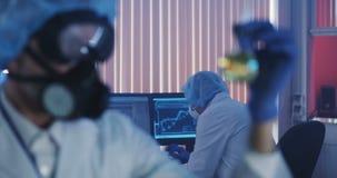 Cientista Working In Laboratory filme