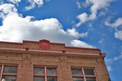 Cientos años del edificio imágenes de archivo libres de regalías
