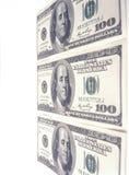 Cientos billetes de dólar. Imagen de archivo