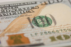 Cientos billetes de dólar, fotografía macra Fotografía de archivo