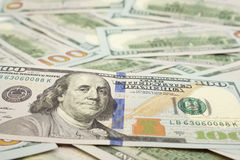 Cientos cuentas de dólar Fotos de archivo libres de regalías