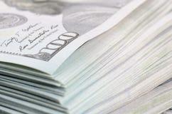 Cientos dólares de fondo de los billetes de banco Foto de archivo libre de regalías