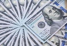 Cientos dólares de billetes de banco Fotografía de archivo libre de regalías