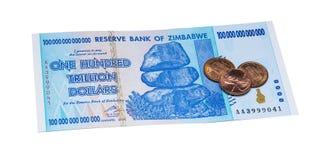 Cientos dólares de trillón Zimbabwe Imagen de archivo