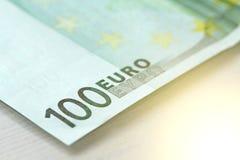 Cientos euros con una nota euro 100 Foto de archivo libre de regalías