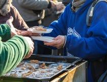 Ciepły jedzenie dla bezdomny i biedy obraz royalty free