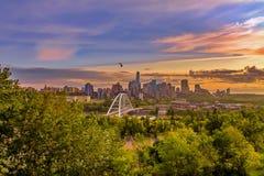 Ciepły wschód słońca Nad Edmonton zdjęcie royalty free