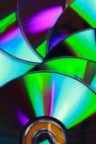 Cierra el â encima de la textura CD en el fondo blanco. Foto de archivo
