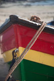 Cierre colorido del arco del barco de rowing para arriba Foto de archivo