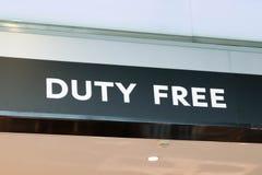 Cierre con franquicia del letrero del logotipo del aeropuerto encima de la letra fotografía de archivo