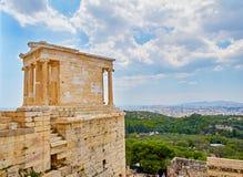 Cierre de Cariathides para arriba Acrópolis de Atenas Atica, Grecia foto de archivo libre de regalías