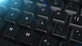 Cierre de la animación encima del teclado de ordenador con el botón de la mejora stock de ilustración