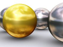 Cierre de la bola del oro del arranque de cinta Fotos de archivo libres de regalías