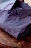 Cierre de la camisa de la moda para arriba Imagen de archivo libre de regalías
