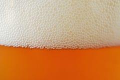 Cierre de la cerveza del arte para arriba Imagen de archivo