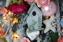 Cierre de la decoración del árbol de navidad para arriba Imágenes de archivo libres de regalías