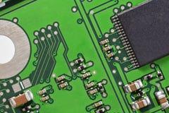 Cierre de la macro de la electrónica de la tarjeta de circuitos para arriba Imagen de archivo libre de regalías