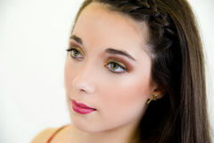 Cierre de la mujer joven del retrato encima del perfil de la cara Imágenes de archivo libres de regalías