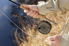 Cierre de la pesca de mosca para arriba Imagenes de archivo