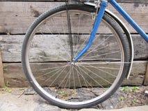 Cierre de la rueda de bicicleta para arriba Fotos de archivo