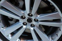 Cierre de la rueda de la aleación para arriba Foto de archivo